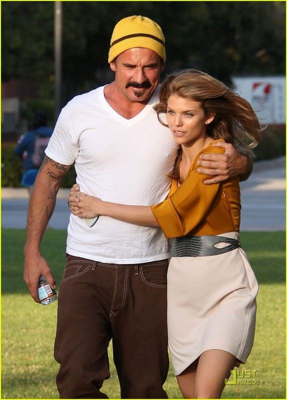 Val  233 rie Karsenti   Fran  231 ois FeroletoDominic Purcell And Annalynne Mccord
